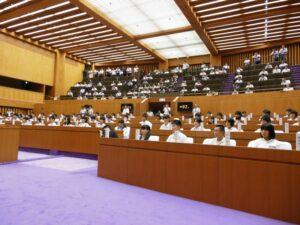 中学生県議会 開会