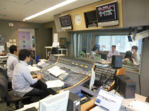 県議会議長としてラジオ関西にナマ出演